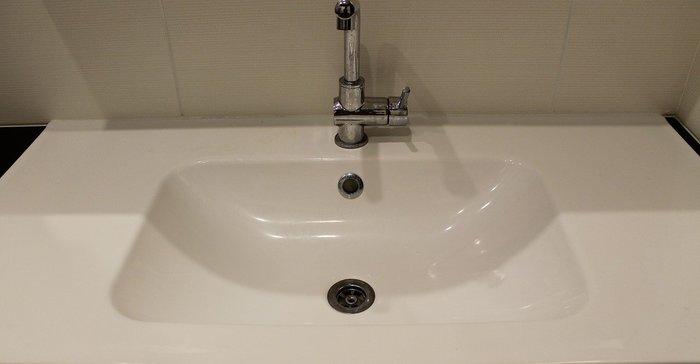 Как да отпушим мивката